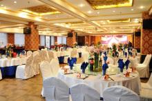 豪华宴会厅-圆桌布置